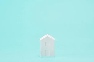 白い建物のオブジェ クラフトの写真素材 [FYI01603887]