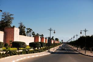 モロッコ マラケシュの旧市街の城壁の写真素材 [FYI01604160]