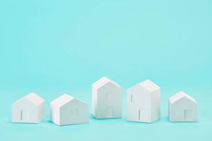白い建物のオブジェ クラフトの写真素材 [FYI01604303]