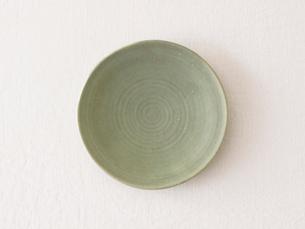 緑の皿の写真素材 [FYI01604521]