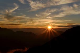 夕日の写真素材 [FYI01604959]