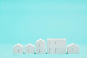 白い建物のオブジェ クラフトの写真素材 [FYI01605188]