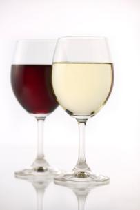 白ワインと赤ワインの写真素材 [FYI01608118]