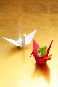 辰と折り鶴の写真素材 [FYI01608780]