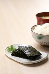 海苔とご飯の写真素材 [FYI01609472]