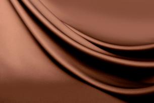 茶色のドレープの写真素材 [FYI01609879]
