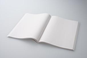 白紙の本の写真素材 [FYI01610095]