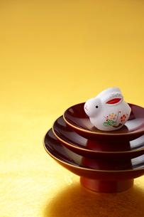 ウサギの置物の写真素材 [FYI01610595]