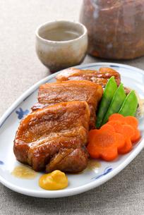 豚肉の角煮の写真素材 [FYI01610782]
