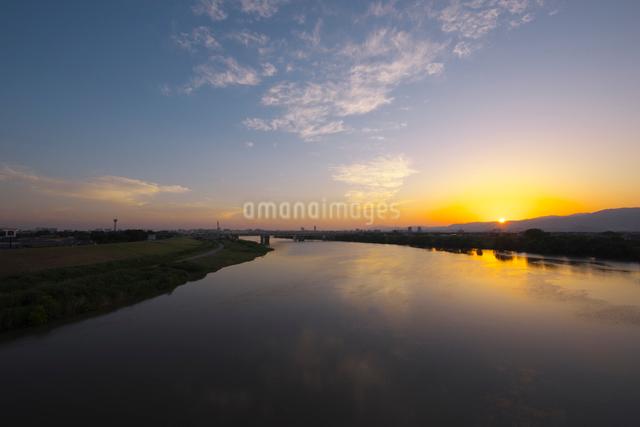 筑後川の夕景の写真素材 [FYI01610832]