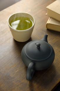 急須と日本茶の写真素材 [FYI01610937]
