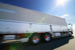 高速輸送の写真素材 [FYI01611454]