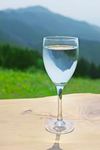 グラスと水の写真素材 [FYI01611624]