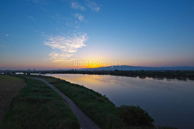 筑後川の夕景の写真素材 [FYI01612148]