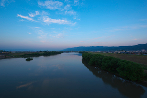 筑後川の夕景の写真素材 [FYI01612278]