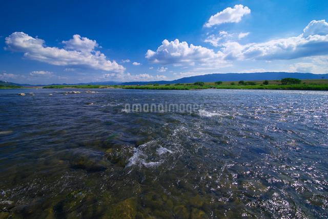 筑後川と耳納連山の写真素材 [FYI01612486]