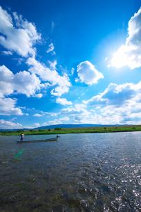 筑後川と耳納連山の写真素材 [FYI01612499]