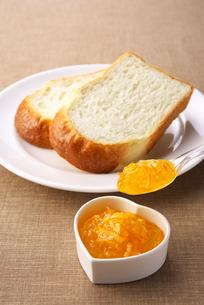 オレンジマーマレードジャムの写真素材 [FYI01612558]