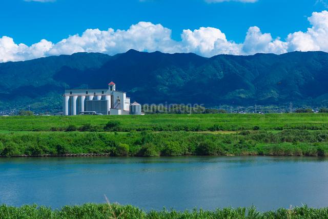 耳納連山と筑後川の写真素材 [FYI01612698]