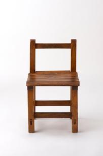 アンティークな小学校の椅子の写真素材 [FYI01612721]