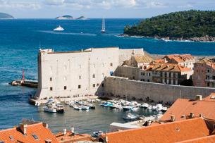 古い港の聖ヨハネの要塞の壁の写真素材 [FYI01614182]