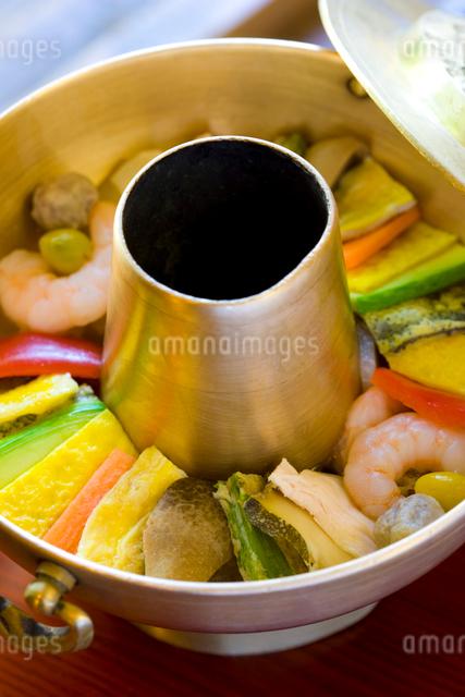 韓国の伝統宮廷料理のロイヤルキャセロールの写真素材 [FYI01614228]