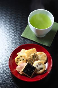 和菓子とお茶の写真素材 [FYI01614687]