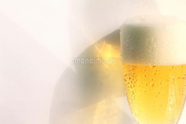 グラスのビールの写真素材 [FYI01614888]