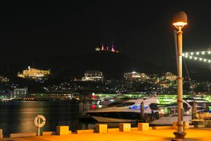 長崎港の夜景の写真素材 [FYI01615200]