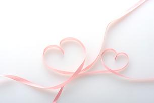 ピンクのリボンの写真素材 [FYI01615316]