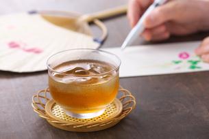麦茶の写真素材 [FYI01615337]