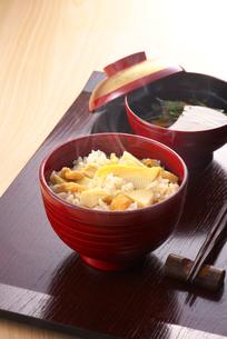 筍御飯の写真素材 [FYI01615690]