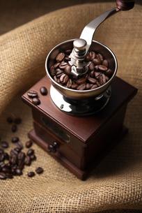 コーヒーミルの写真素材 [FYI01615725]