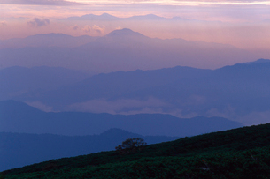 乗鞍岳より山並を望むの写真素材 [FYI01617208]