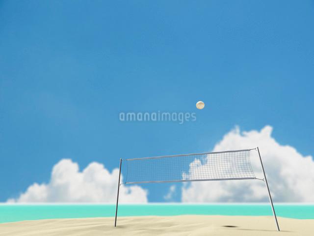ビーチバレーのネットとボールのイラスト素材 [FYI01617708]