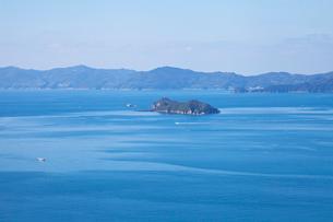 八幡浜港と三崎半島の写真素材 [FYI01617815]