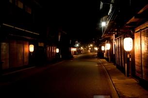 お盆の奈良井宿の写真素材 [FYI01618200]
