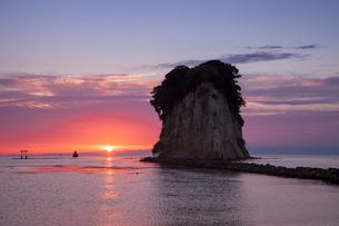 見附島の朝の写真素材 [FYI01619429]