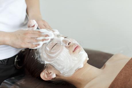 泡洗顔シーンの写真素材 [FYI01619737]
