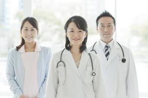 医師と看護師の写真素材 [FYI01621042]