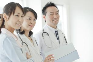 医師と看護師の写真素材 [FYI01621100]
