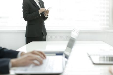 オフィスシーンの写真素材 [FYI01621163]
