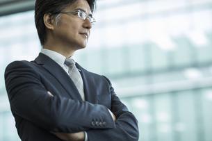 中高年のビジネスマンの写真素材 [FYI01621178]