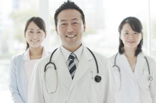 医師と看護師の写真素材 [FYI01621241]