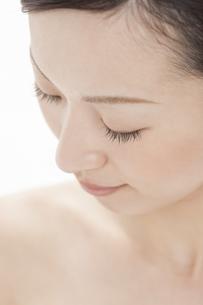 若い女性の美容イメージの写真素材 [FYI01621450]