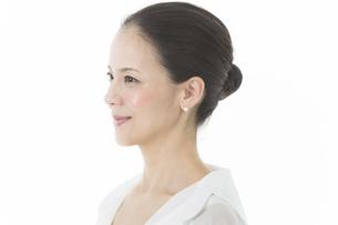 中年女性の美容イメージの写真素材 [FYI01621853]