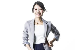 笑顔のビジネスウーマンの写真素材 [FYI01621926]