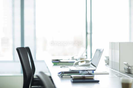 オフィスデスクの写真素材 [FYI01622095]