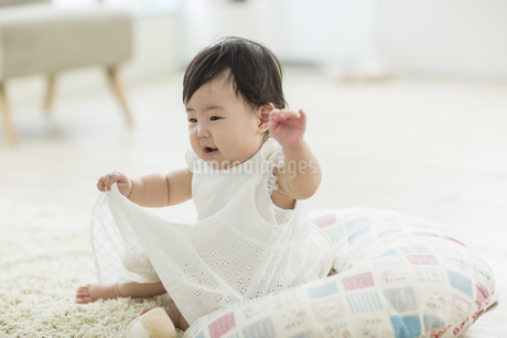 笑顔の赤ちゃんの写真素材 [FYI01622134]