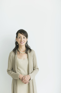 40代日本人女性のポートレートの写真素材 [FYI01622209]
